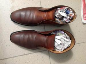 Мойка обуви очистителем